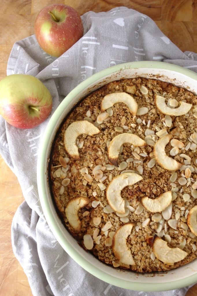 cinnamon-apple-baked-oatmeal
