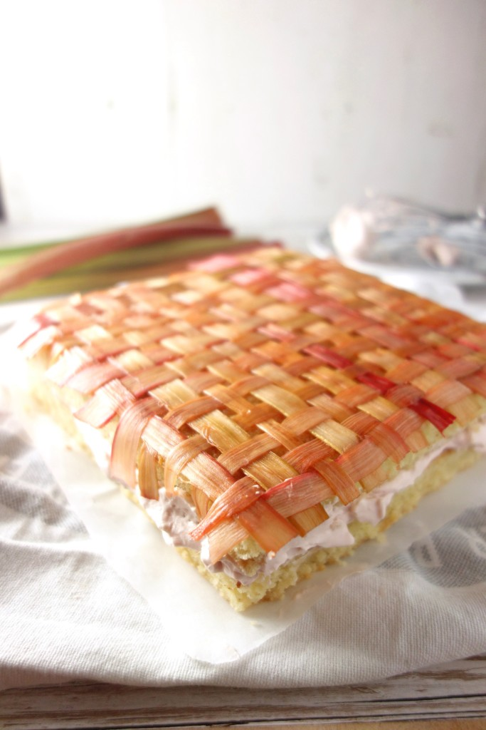 rhubarb almond sponge cake
