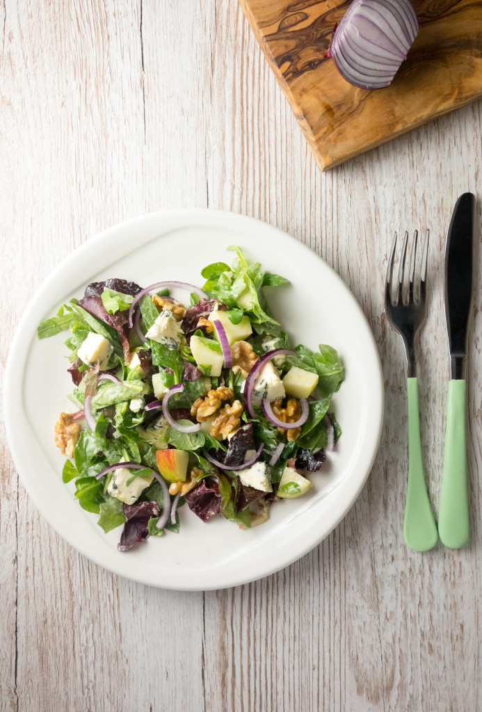 blue cheese walnut salad