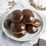 dark chocolate lebkuchen