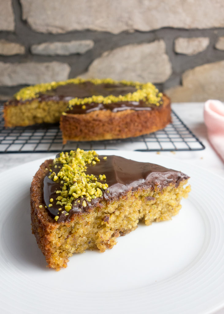 Chocolate Pistachio Sponge Cake: An easy recipe for pistachio sponge topped with rich chocolate ganache. So yum!