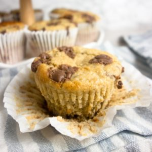 Choc Chip Banana Oat Muffins: Light & fluffy muffins made with bananas, oats, greek yoghurt & honey (plus chocolate for good measure!)
